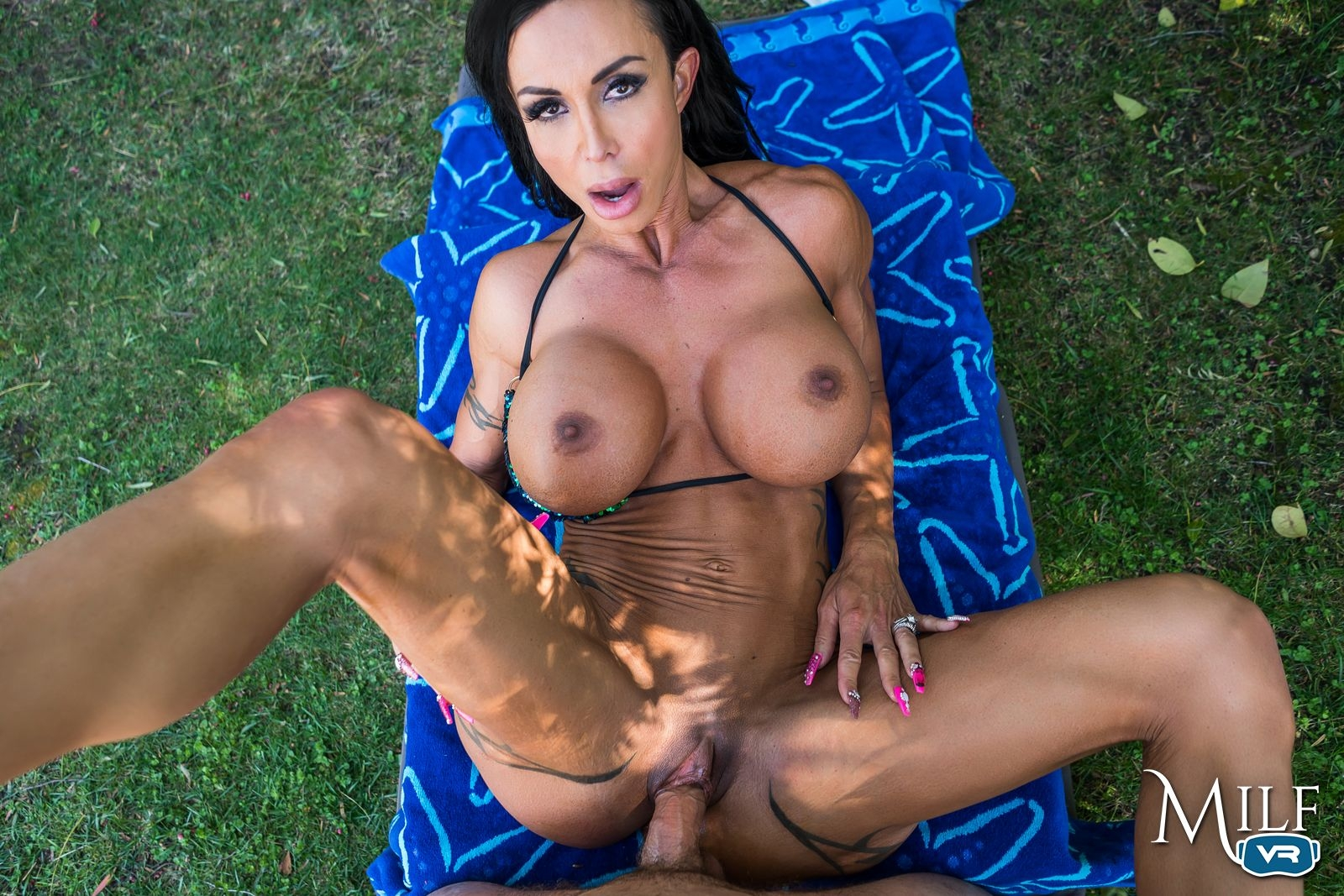 Winter jade licks the incredible milfs delicious pussy